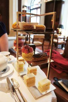 Afernoon tea in Paris