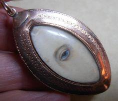 FINE & RARE GEORGIAN LOVERS EYE PENDANT GOLD ENAMEL & SEED PEARL REVERSE C 1790 Eye Jewelry, Jewelry Art, Jewelery, Jewelry Design, Victorian Jewelry, Antique Jewelry, Vintage Jewelry, La Danse Macabre, Gold Pendant