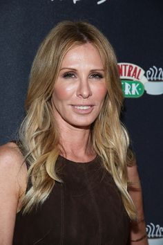 Carole Radziwill From 'Real Housewives Of New York City' Has A Celebrity-Filled Dating History Bravo Housewives, Housewives Of New York, Real Housewives, Cut And Style, Cut And Color, Carole Radziwill, Balayage Highlights, Celebrity Hairstyles, Reality Tv