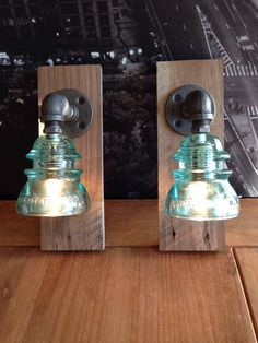 Pair of Industrial Barn Wood Glass by TheVintageBulb Kitchenette flank lighting Insulator Lights, Glass Insulators, Electric Insulators, Lampe Steampunk, Decoration Restaurant, Deco Luminaire, Barn Wood Projects, Rustic Lighting, Lighting Ideas