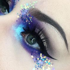 WEBSTA @ marioncameleon - EYES : Divine from #VenusPalette @limecrimemakeup | 92 72 eyeshadows @makeupforeverfr | Malibu #Superfoils @limecrimemakeup GLITTERS : @jazzy_glitter_shop LASHES : KNOCKOUT @houseoflashes (they donate $1 for Breast Cancer for each pair purchased)