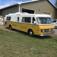 1974 FMC Model J Bus Motorhome RV Camper Van