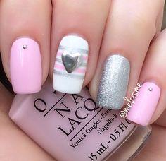 Pretty Valentines Day nails by Instagram user melcisme #pink #nails #heart #valentinesdaynails