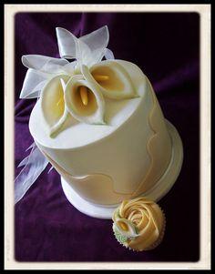 Calla Lilly Wedding Cake and Cupcake!
