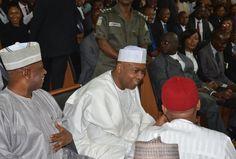 Welcome To Emmanuel Ik blog: NEWS: Senators throw their weight behind Saraki