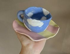 Ceramic Clay, Ceramic Pottery, Pottery Art, Fimo Ring, Keramik Design, Clay Art Projects, Sculptures Céramiques, Cute Clay, Cool Mugs