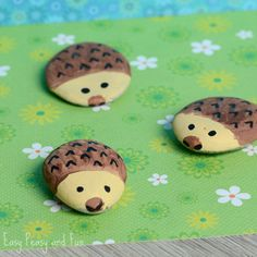 This time around we're making cute hedgehog painted rock art! We love stone painting and we love hedgehogs so these cute fellows were a must. Hedgehog Painted Rocks What you need stones (river stones gathered on your next walk or picked up in a dollar or craft store) brown acrylic paint beige acrylic paint …