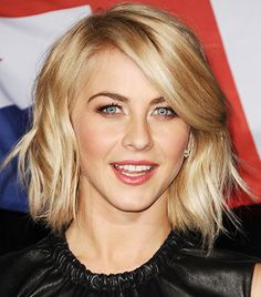 julianne hough hair in safe haven Hair, Safe Haven Hair, Trendy Hairstyles, Bob Hairstyles, Julianne Hough Short Hair, Corte Bob, Beachy Hair, Corte Y Color, Wavy Bobs, Short Straight Hair