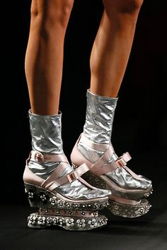 Prada was well-applauded for her finest spring and summer collection so far – but wait; does this include her quirky Prada platform? Prada Spring, Vip Fashion Australia, Funky Shoes, Weird Shoes, Shiny Shoes, Shoe Boots, Shoe Bag, Women's Shoes, Prada Shoes