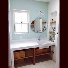 キッチン、トイレ、洗面所、バスルーム……お家には水まわりが不可欠ですよね。そしてご家族全員が使う場所でもあります。だからこそ、水まわりはいつでも気持ち良く使えるように、常に清潔にしておきたいものです。風水的にも水まわりはとても大事なポイント。今回は水まわりを清潔に保つコツをご紹介します。