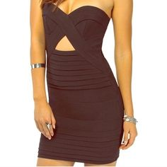 ⭐️HP⭐️NWT Black Strapless Tobi Dress Super sexy strapless Tobi dress in Size Medium. Never worn. Is sold out in this color and size. Measurements: 24.5 inches Long 33inch bust Tobi Dresses