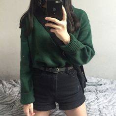 Discovered by Diana A. Find images and videos about style, outfit and green on We Heart It - the app to get lost in what you love. Grunge Style, Soft Grunge, Summer Outfits, Cute Outfits, Green Outfits, Modern Outfits, Slytherin Aesthetic, Ootd, Asian Fashion