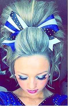 Maryland Twisters cheer hair-- this is perfect / saved from Becca Clark - Cheer Hair Poof, Hair Bows, All Star Cheer, Cheer Mom, Cheer Stuff, Cheerleading Quotes, Cheerleading Hair, Cheer Jumps, Cheer Makeup
