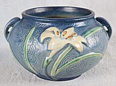 Roseville Pottery Blue Zephyr Lilty Pattern 671-4 - circa 1946