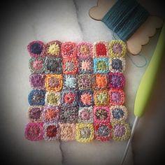 Miniature Crochet on Insta Crochet, crochet scarf, crochet love Hand Dyed Yarn, Needlework, Workshop, Miniatures, Blanket, Sewing, Scarf Crochet, Bobs, Amigurumi