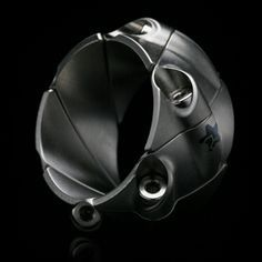 I'm not shopping for wedding bands...but if i were, this might be it.