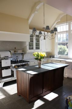 Kitchen Photos 1920's Spanish Bungalow Design, Pictures, Remodel, Decor and Ideas - page 2