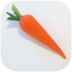 carotte en feutrine, couture a la main, lapetiteruse.fr/blog