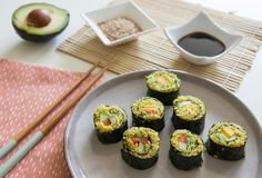 Recept vegetarische sushi Beets, I Foods, Green Beans, Recipies, Muffin, Spices, Vegetables, Breakfast, Ethnic Recipes