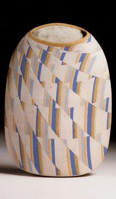 British studio potter Elizabeth Fritsch (1940)