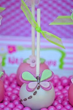 Butterfly Cake Pops : Pink + Green Butterfly Party by adriana Oreo Cake Pops, Beautiful Cake Pictures, Beautiful Cakes, Amazing Cakes, Cakepops, Mini Cakes, Cupcake Cakes, Bright Pink, Pink And Green