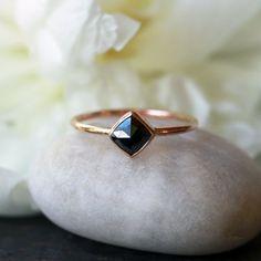 Carré Rose Cut Black Diamond Ring, 14k jaune bague en or, bague de fiançailles Unique, mariée moderne, Design minimaliste, bijoux faits main