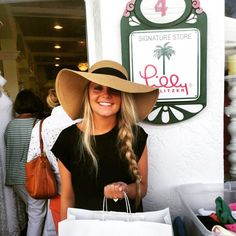 nauti-in-lilly:pointerprep:  prettypreppyanddpink:  Obviously the best store on the island (at The Palm On Park- A Lilly Pulitzer Via Shop)  My favorite Lilly store in the country!!  I NEED THE HAT