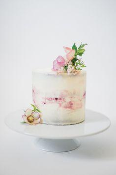 Darling one-tier naked wedding cake