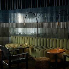 Cocktail Bar Interior, Cocktail Bar Design, Architecture Restaurant, Interior Architecture, Interior And Exterior, Bar Interior Design, Beautiful Interior Design, Bar Lounge, Commercial Design