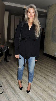 sarah harris goin gray in a stylish way