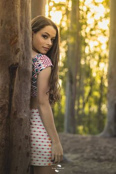 Digital Photography Tips Prom Photography Poses, Photography Women, Creative Photography, Best Photo Poses, Girl Photo Poses, Girl Poses, Shotting Photo, Photographie Portrait Inspiration, Portrait Poses