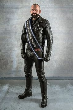 In this article, Mr. Leather Europe 2015, Thorsten Bühl, explains what you need to know about how leather is made - the tanning process, the different types of leather and what to look out for. All essential knowledge for any leatherman. #LeatherWest