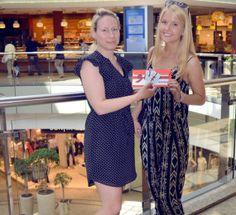 Midsummer Shopping mit Luisa Wir geben Luisa eine glatte Eins für ihr Outfit! Lässig, locker, bequem und schick! MAGMAG BY ALLEE-CENTER MAGDEBURG  Luisa hat bei unserem Facebook-Gewinnspiel mit gemacht und wurde ausgelost. Sie durfte gemeinsam mit Sabrina vom Allee-Center auf Shoppingtour gehen und den 100 Euro-Gutschein auf den Kopf hauen. Voraussetzung: Ein Midsummer-Outfit zusammen stellen.  Das Magazin für Magdeburg https://mag-mag.de/midsummer-shopping-mit-luisa/ #MagMag #Magazin…