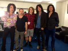 Tommy Thayer's picture of KISS with American Idol finalist, Caleb Johnson! The LIVE show airs tonight at est! Rock And Roll, U Rock, American Idol, Caleb Johnson, Kiss Pictures, Kiss Band, Hot Band, Star Children, New Music