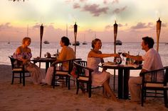 Radisson Aruba Resort offers 6 different dining options, so your taste buds are always in for a treat. Dine indoors or beachside with the surf as your backdrop. Decisions, Decisions! http://hotelpp.com/RadissonArubaRes