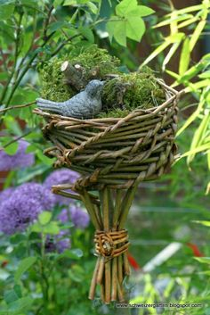 adorable Willow Weaving, Basket Weaving, Garden Crafts, Garden Art, Navidad Diy, Small Ponds, Garden Shop, Backyard For Kids, Weaving Art