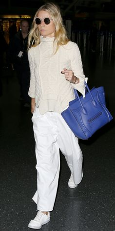 Celebrity-Inspired Outfits to Wear on a Plane - Gwyneth Paltrow - from InStyle. Looks Chic, Looks Style, Look Fashion, Fashion Outfits, Womens Fashion, Fashion Trends, Celebrity Outfits, Celebrity Style, Cool Outfits