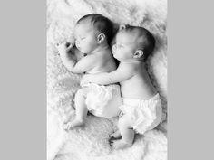 Si proches… photos jumeaux bébés