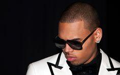 """Chris Brown estrena el tema """"W. T. F. I. M. L."""""""