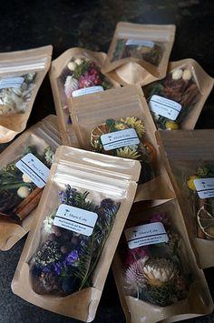 Spices Packaging, Fruit Packaging, Food Packaging Design, Packaging Design Inspiration, Flower Tea, Tea Blends, Aesthetic Food, Dried Flowers, Herbalism