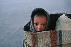 Steve McCurry. Barkhor, Lhasa, Tibet (Children)