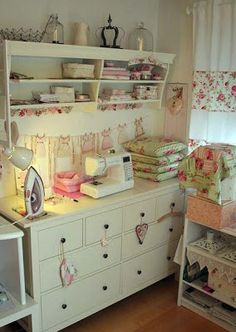 vintage style craft and sewing room.I would love a craft room! Sewing Spaces, My Sewing Room, Sewing Rooms, Sewing Room Organization, Craft Room Storage, Craft Rooms, Organizing, Quilting Room, Machine Quilting
