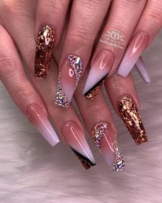 nails - Luxurious and Glamorous Nail Look tha size 💎✨🤩🤩🤩 Tag and share with your bestie Dope Nails, Bling Nails, Stiletto Nails, Coffin Nails, Nail Swag, Perfect Nails, Gorgeous Nails, Hair And Nails, My Nails