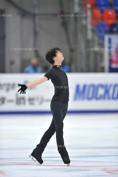 Yuzuru Hanyu (JPN), NOVEMBER 25, 2011 - Figure Skating : ISU Grand Prix of Figure Skating 2011/2012 2011 Rostelecom Cup of Russia Practice for Short Program at Sports Palace Megasport, Moscow, Russia. (Photo by Atsushi Tomura/AFLO SPORT) [1035]