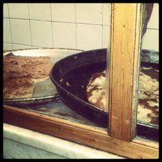 Pizza al paso. Con formas irregulares. @ Pirilo. San Telmo, Buenos Aires.