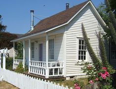 Perfectly adorable guest cottage!