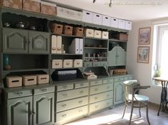Furniture Makeover, Diy Furniture, Modern Country Style, Shabby Home, Buffet, House Painting, Painted Furniture, Sweet Home, Kitchen Cabinets