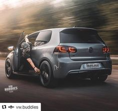 La imagen puede contener: automóvil Volkswagen Polo, Cars And Motorcycles