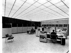 Burroughs B5000 (Large Mainframes Using Stack Machine Instruction), 1961.