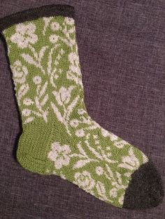 Vårblommor Knit Socks, Knitting Socks, Mittens, Knit Crochet, Flower, House, Ideas, Socks, Wrist Warmers